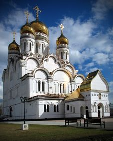 Free Spaso-preobrazhenskiy Cathedral. Tolyatti Royalty Free Stock Photography - 8087927