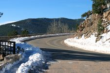 Free Road In Snowy Mountains Royalty Free Stock Image - 8088126