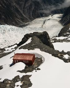 Free Mountain Hut And Glacier New Zealand Stock Image - 8088411