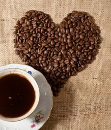 Heart Shape Made From Coffee Beans Royalty Free Stock Images