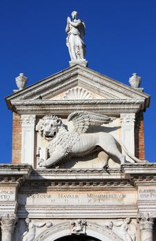 Free Lion With Wings - Symbol Of Venice Royalty Free Stock Photo - 8095905