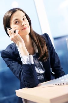 Free Woman Is Making A Call. Royalty Free Stock Images - 8096699
