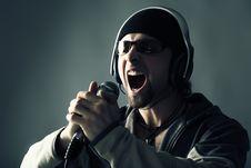 Free Singing A Song Royalty Free Stock Photos - 8099128
