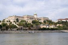 Free Budapest Castle Royalty Free Stock Photo - 8099455