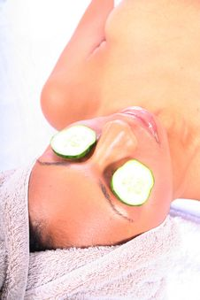 Free Spa - Facial With Cucumber Royalty Free Stock Photography - 815247