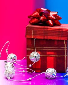Free Red Gift Box Stock Photos - 8101313