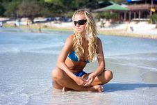 Free Blond In The Sea Royalty Free Stock Photos - 8101658