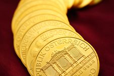 Free Gold Ounces Royalty Free Stock Images - 8101819
