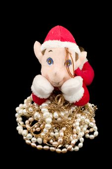 Free The Gnome Protecting Gold With Pearls Stock Image - 8111961