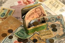 Free Background With Old Currency Royalty Free Stock Image - 8115186