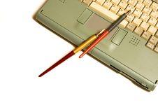 Free Laptop, Pen Royalty Free Stock Photos - 8115718