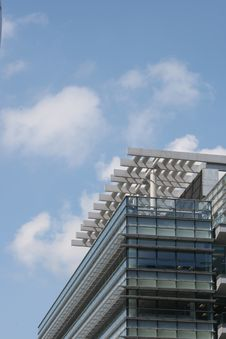 Free Office Building Royalty Free Stock Photography - 8120107
