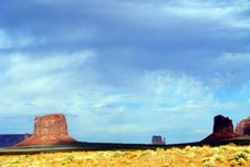 Free Monument Valley Royalty Free Stock Photography - 8120197