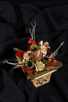 Free Flowers Arrangement Stock Images - 8122364