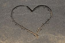 Free Heart Drawing In Black Sand Royalty Free Stock Photography - 8131277