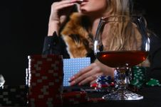 Free Beautiful Woman Who Playing Poker Stock Images - 8135584