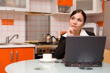 Free Businesswoman In Kitchen Royalty Free Stock Photography - 8135987