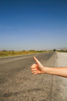 Free Hitchhiking The Road Royalty Free Stock Images - 8138809