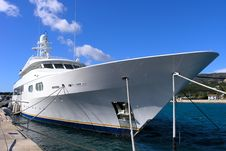 Free Luxury Yacht Royalty Free Stock Photo - 8141775