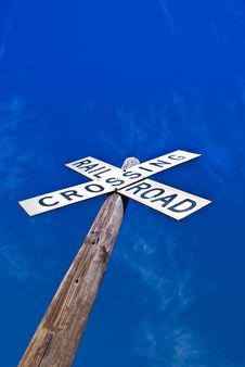 Free Railroad Crossing Sign Royalty Free Stock Photo - 8142015