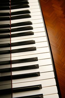 Free Piano Keys Royalty Free Stock Photography - 8147977