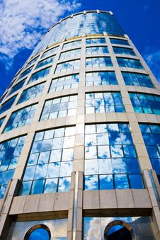 Free Skyscrapers Reflections Royalty Free Stock Photo - 8150395