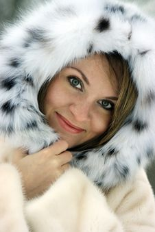 Free Lady In Fur Stock Photos - 8151583
