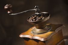 Old-fashioned Coffee Grinder Royalty Free Stock Image
