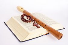 Free Bible And Flute Royalty Free Stock Images - 8153199