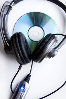 Free Headphones And Disk Stock Images - 8154724