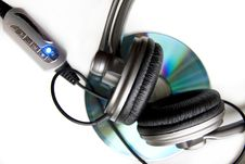 Free Headphones And Disk Royalty Free Stock Images - 8154729