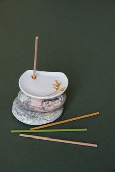 Free Aromatic Sticks And White Porcelain Stand Stock Images - 8155004