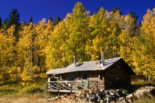 Free Country Cabin In Autumn Stock Image - 8156921