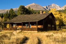 Country Cabin In Autumn Stock Images
