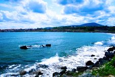 Free Landscape - Sea Waves And Cloudy Blue Sky Royalty Free Stock Photos - 8162758