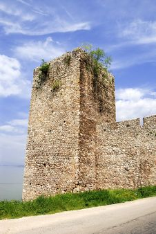 Free Tower Of Ancient Fortification Royalty Free Stock Photo - 8162765