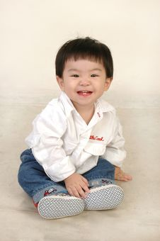 Free Smiling Boy Look At You Royalty Free Stock Photography - 8166787