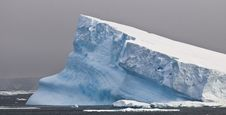 Free Antarctic Iceberg - Tilted Royalty Free Stock Images - 8169289