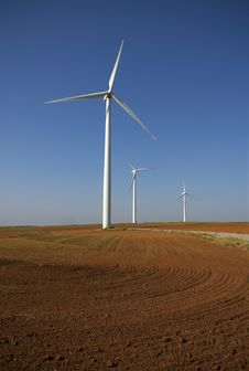 Free Wind Power In Farm Land Royalty Free Stock Photos - 8169548