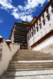 Free Tibet Potala Palace Royalty Free Stock Photo - 8169705