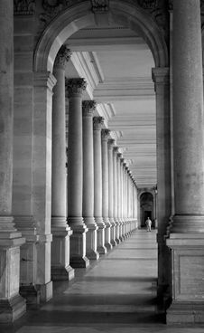 Free Colonnade Stock Image - 8171571
