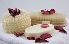 Free Bath Products Arrangement With Red Flowers, Close- Stock Images - 8173514
