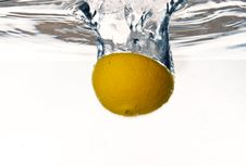 Free Orange Falling Into Water Royalty Free Stock Photos - 8179258