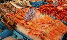Free Lobsters In A Market Royalty Free Stock Photography - 8187667