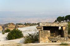 Free Ruins, Vault In Pamukkale Royalty Free Stock Photo - 8190495