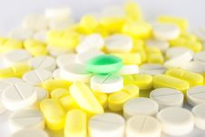 Free Colored Pills Royalty Free Stock Photo - 8191155