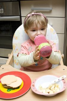 Free Baby Eating Stock Image - 8191181