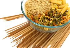 Free Noodles Bowl On White Royalty Free Stock Image - 8193456