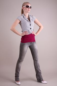 Free Fashion Model In Studio Stock Image - 8197361