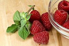 Free Fresh Ripe Raspberry Royalty Free Stock Photo - 8198905